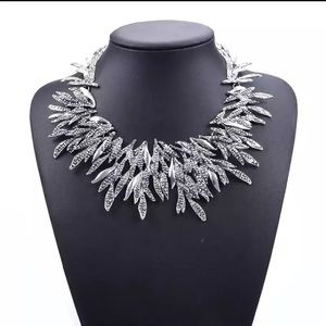 Jewelry - Choker Statement Necklace silver